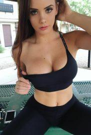 Laura001